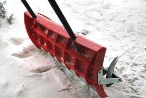 vybor lopaty dlya chistki snega delaem prisposoblenie so shnekom dlya uborki snega svoimi rukami